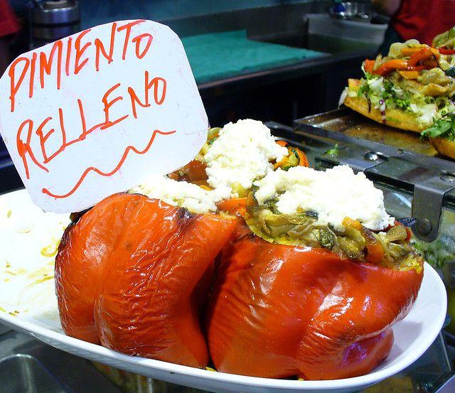Испанское блюдо — сладкий фаршированный перец (pimientos rellenos)