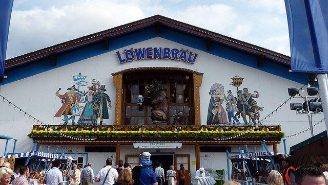 Палатка на Октоберфест — Löwenbräu