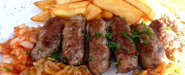 Черногорское мясное блюдо — чевапчичи (ćevapčići)
