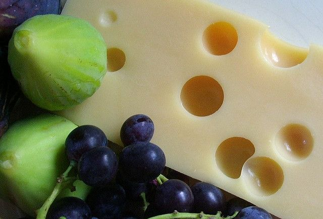 Швейцарский сыр Эмменталь