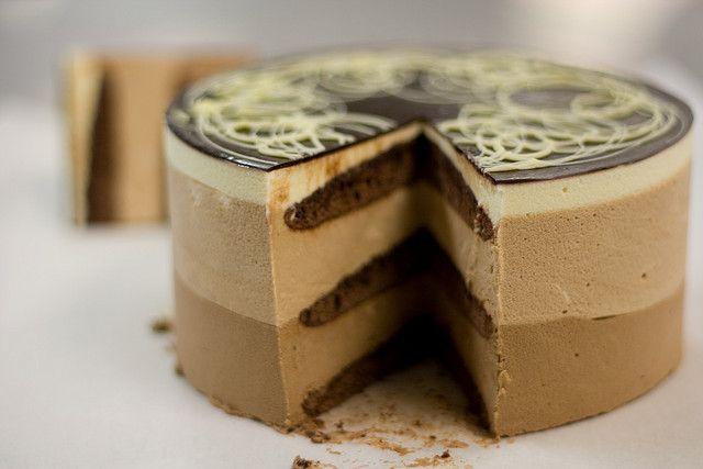 Трехслойный торт из баварского крема
