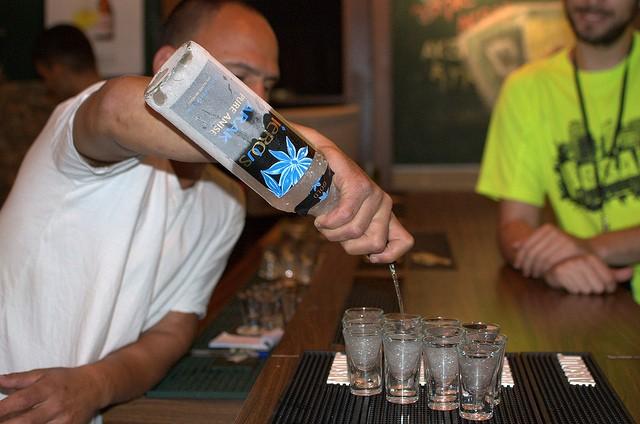 Крепкий алкогольный напиток — Арак