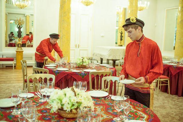 Накрытие столов в русском стиле