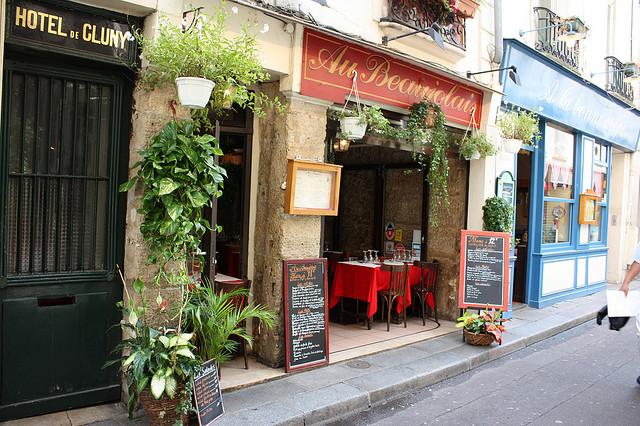 Кафе в Париже