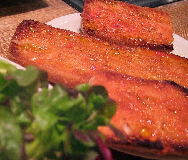 Хлеб Pan amb tomaquet