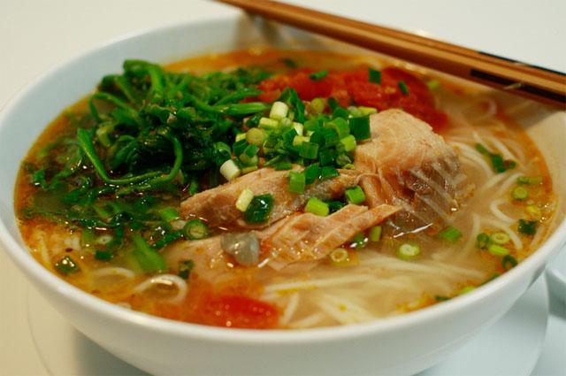 Рыбный суп с лапшой - bun ca